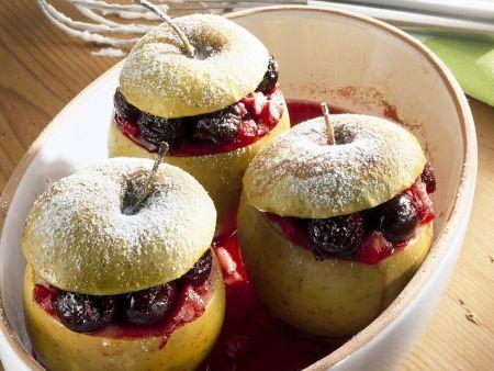Rezept: Mit Kirschen gefüllte Bratäpfel