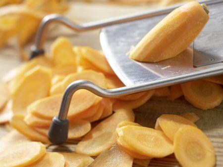 Möhren-Ananas-Salat: Zubereitungsschritt 1