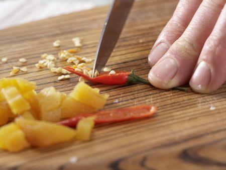 Möhren-Aprikosen-Suppe: Zubereitungsschritt 2