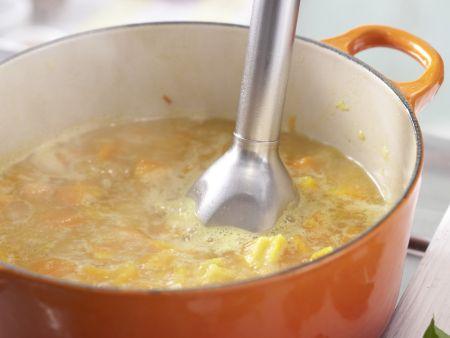 Möhren-Aprikosen-Suppe: Zubereitungsschritt 6