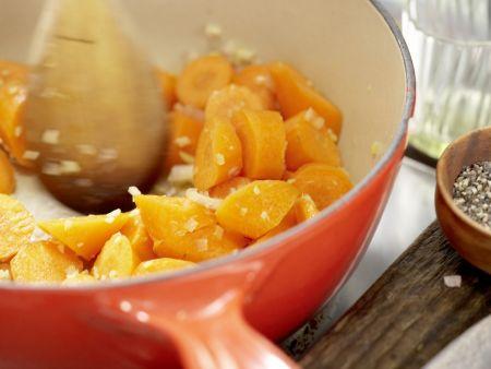 Möhren-Ingwer-Suppe: Zubereitungsschritt 3