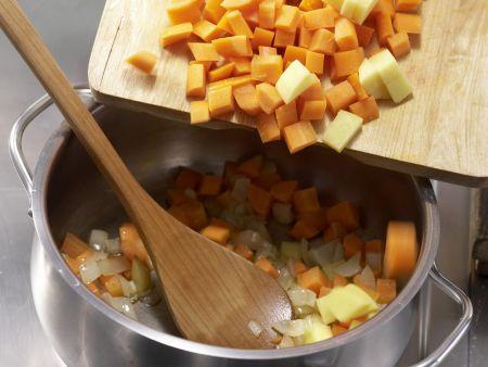 Möhren-Orangen-Suppe: Zubereitungsschritt 2
