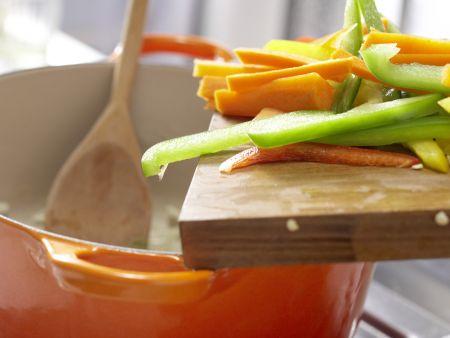 Möhren-Paprika-Curry: Zubereitungsschritt 4