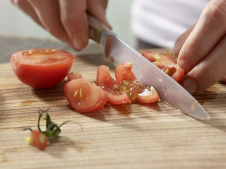 Mozzarellabrot mit Orangenschorle: Zubereitungsschritt 2