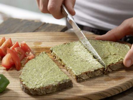 Mozzarellabrot mit Orangenschorle: Zubereitungsschritt 4