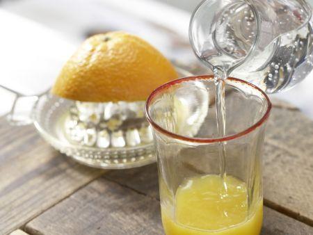 Mozzarellabrot mit Orangenschorle: Zubereitungsschritt 6