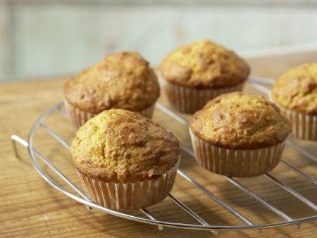 Muffins mit Kürbis und Nüssen: Zubereitungsschritt 7