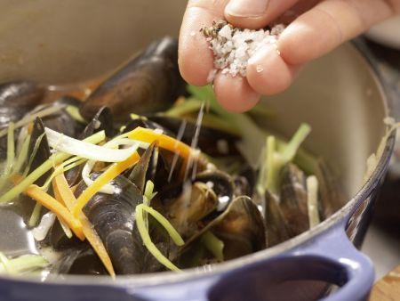 Muscheln in Asia-Aromen gedünstet: Zubereitungsschritt 8