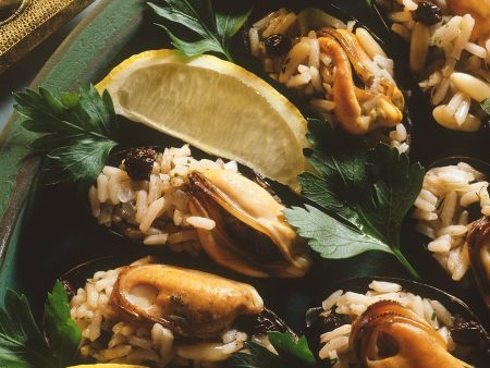 Muscheln mit Korinthen-Reis