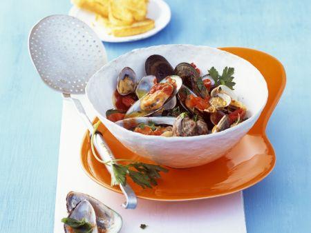 Muscheln mit Tomaten-Petersilien-Sugo