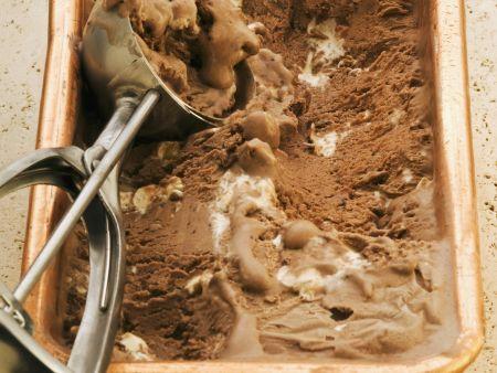 Nougat-Schokoladen-Eis