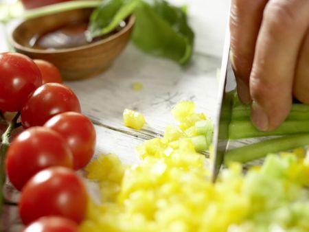 Nudel-Gemüse-Salat: Zubereitungsschritt 3