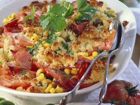Nudel-Tomaten-Gratin mit Schinken und Mais