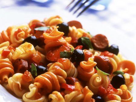 Nudeln mit Gemüse-Wurst-Sauce