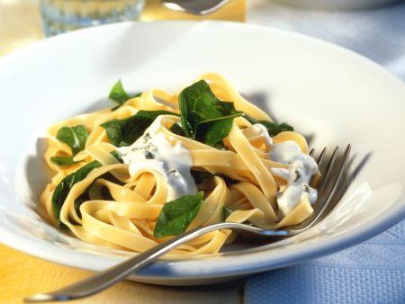 Nudeln mit Spinat und Roquefort