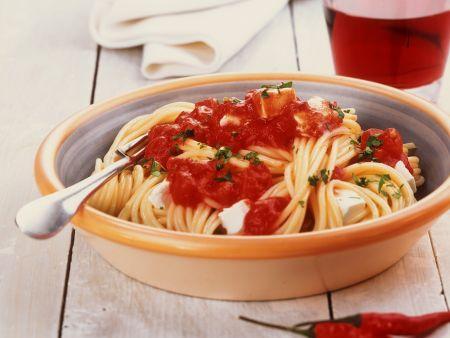 Nudeln mit Tomatensauce