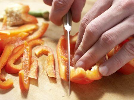 Nudelpfanne mit Sprossen und Ei: Zubereitungsschritt 3