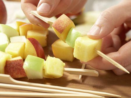 Obstspieße: Zubereitungsschritt 4