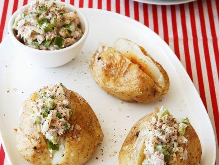 Ofenkartoffel mit Thunfischfüllung