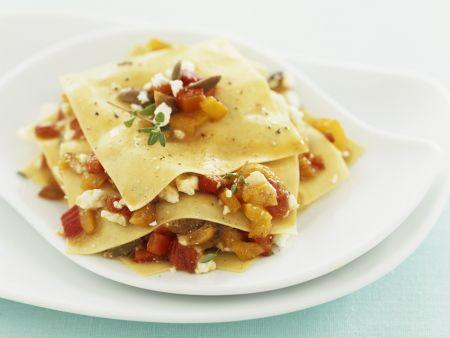 Rezept: Offene Lasagne mit Paprika und Schafskäse