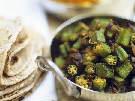 Okraschoten-Zwiebel-Gemüse