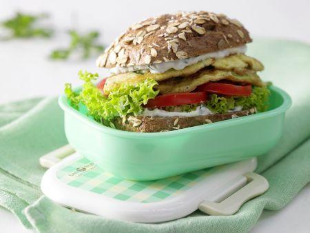 Omelett-Burger mit Zucchini