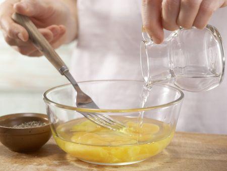 """Omelett """"Himmel und Erde"""": Zubereitungsschritt 4"""