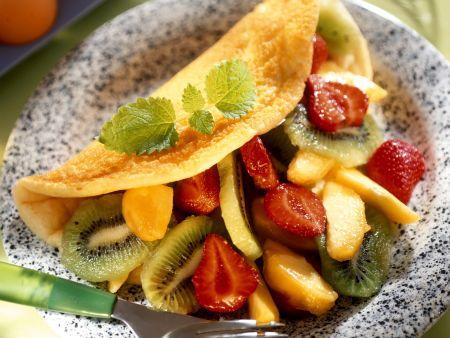 Omelett mit Obstsalat