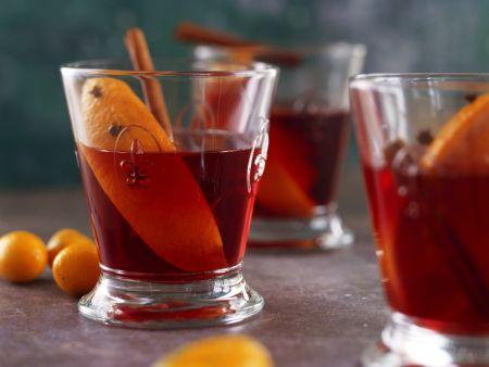 Orangenpunsch mit Zimt