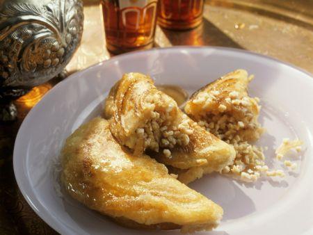 Orientalische Pfannkuchen mit süßer Füllung
