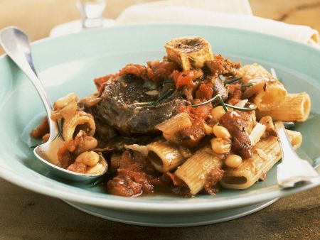 Osso buco mit Nudeln