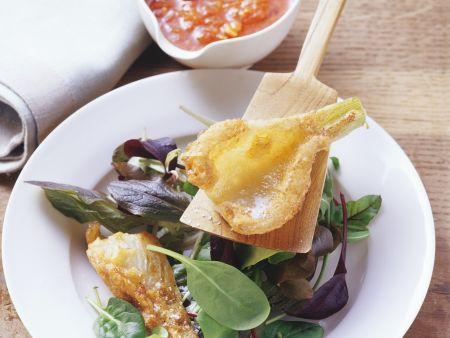 Panierter Fenchel mit Blattsalat