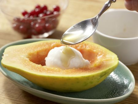 Papaya mit Eisfüllung: Zubereitungsschritt 6