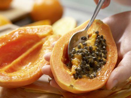 Papaya-Orangen-Smoothie: Zubereitungsschritt 1