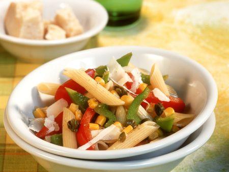 Paprika-Gemüse-Sauce auf Penne