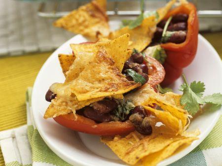 Paprika mit Kidneybohnen-Füllung dazu Maischips