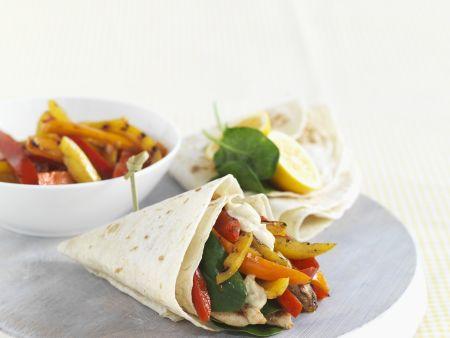Paprika-Wraps mit Hühnchen