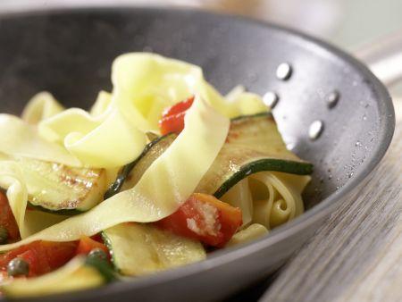 Paprika-Zucchini-Nudeln: Zubereitungsschritt 9