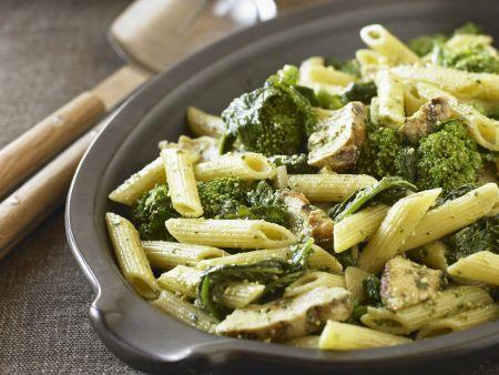 Pasta mit Broccoli-Pilz-Sauce