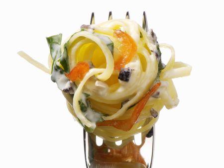 Pasta mit Chili-Sahne-Soße und Spinat