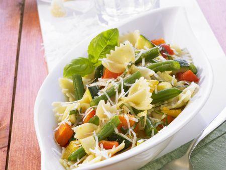 Rezept: Pasta mit gebackenem Gemüse und Balsamico