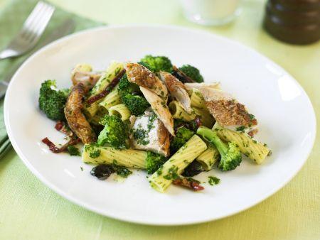 Pasta mit Hähnchen und Brokkoli