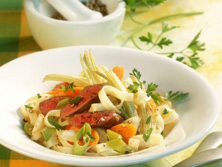 Pasta mit Lammfilet und Gemüse
