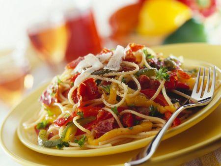 Rezept: Pasta mit Parmaschinken-Paprika-Sauce