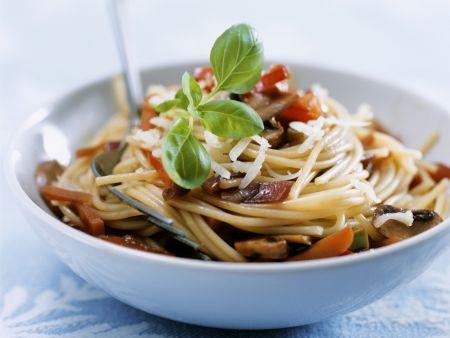 Pasta mit Pilzen und Gemüse