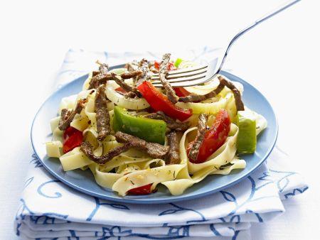 Pasta mit Rindfleisch und Paprika