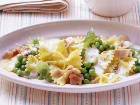 Rezept: Pasta mit sahniger Erbsen-Schinken-Sauce