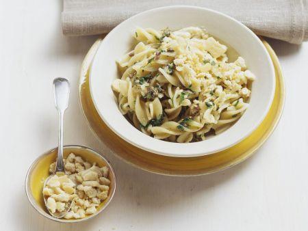 Pasta mit Sardinensoße