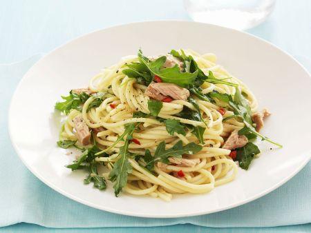Pasta mit scharfer Rucola-Thunfisch-Soße