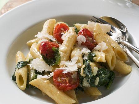 Rezept: Pasta mit Spinat und Kirschtomaten